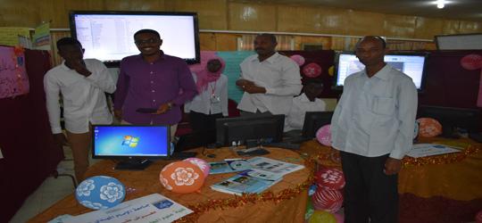 جانب من معرض كلية علوم الحاسوب وتقانة المعلومات